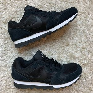 ✨ LIKE NEW NIKE MD Runner 2 Sneakers ✨